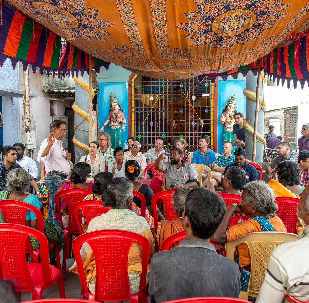 Daily water and climate-related challenges faced by residents of the Chitra Nagar neighborhood are discussed with WaL teams in a community