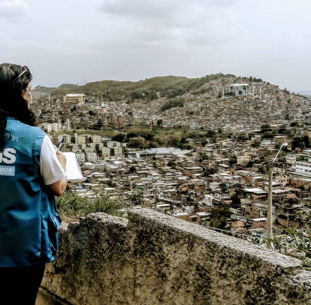 UN-HABITAT STAFF TAKING PART IN A PROJECT TO IDENTIFY THE MOST VULNERABLE IN COMPLEXO DO ALEMÃO'S  SLUM FOR SOCIAL TERRITORIES PROGRAMME PROJECT FUNDED BY THE MUNICIPALITY OF RIO DE JANEIRO 2019 PHOTO: UN-HABITAT BRAZIL