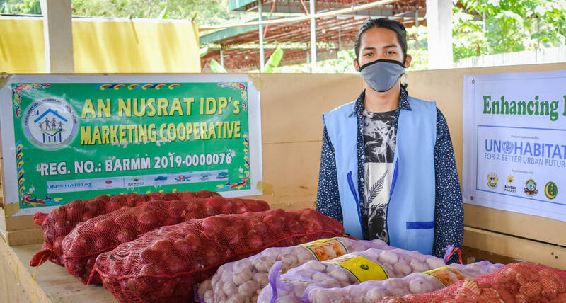 A satellite market set up by UN-Habitat in the village of Sagonsongan in Marawi city, Philippines to provide fairly priced food and essential goods and discourage travel to city centre markets during the COVID-19 crisis.