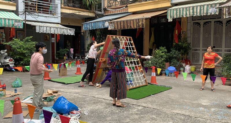 Creating mobile/pop-up playgrounds for children in response to COVID-19 in Hanoi
